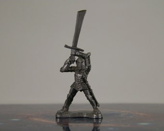 Dungeons and Dragons 1980s Ral Partha Pewter Knight Raising Two-Handed Sword Metal Miniature D&D