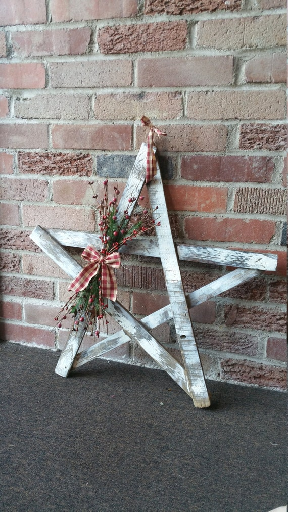 Rustic Country Winter Holiday Tobacco Lath Star Decorated With