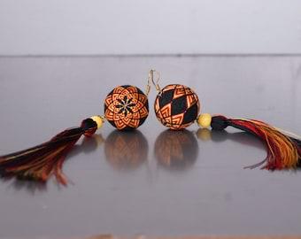 Earrings Temari with tassel