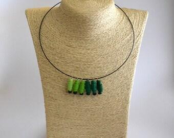 Choker necklace handmade spirals felt degraded green wooden beads