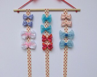 Rack with 12 hair clips