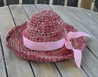 Sun hat, women's beach hat, raffia hat, hand made fashion hat, hand made hat, crochet hat, fuscia colored hat, straw hat, modern hat