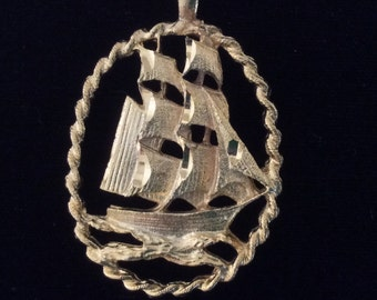 Stunning gold tone tall ship pendant