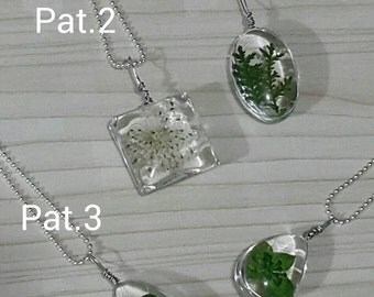Epoxy Resin wrapped with Dried Flowers Necklace(zinc Alloy Chain)