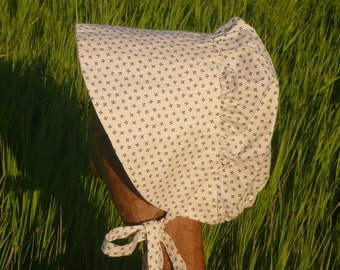 Ladies Pioneer Bonnet in Cream Calico