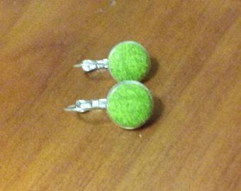 Mottled green drop earring
