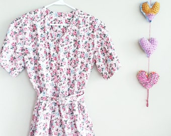 Vintage 1950's womens FLORAL sundress~ Summer dresses for women~ Day Dress~ House Dress~ Rose Print Dress~ Cotton dress~ Vintage Clothing~