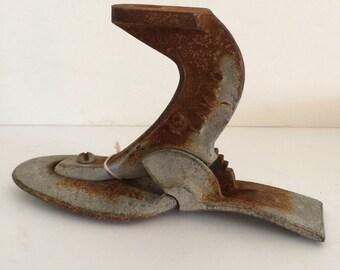 Antique Cast Iron Cobbler Shoe #4 Metal Foot Form Door Stop Paper Weight Stocking Hanger 2.5 lb Weight