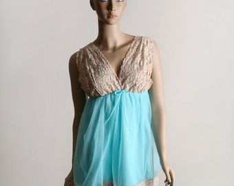 Vintage Babydoll Slip - Nightie Lace Negligee in Turquoise and Beige Lace - Small