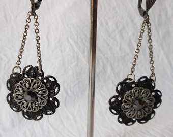 Black Daisy Chain earrings