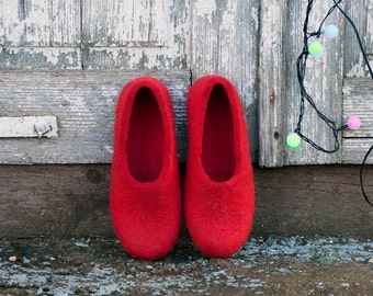 Valentine red shoes Felted slippers women Natural wool felt slippers Gift for her