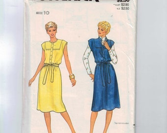 1980s Vintage Sewing Pattern Butterick 4204 Misses Yoked Dress or Jumper Size 10 Bust 32 1/2 Waist 25 UNCUT  99