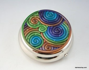 Peacock Feather Pill Box in Polymer Clay Filigree (Pewter Finish)