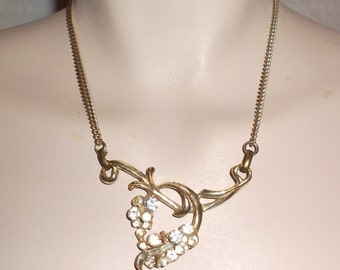 1950s Vintage Gold Tone Necklace with Rhinestones And Baguettes