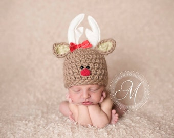 Baby Rudolph hat // Reindeer hat // multiple sizes // newborn photo prop // Christmas hat // boy // girl // removable bow included