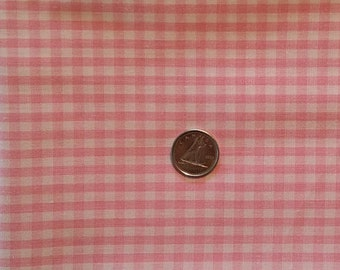 PK042 ~ Pink fabric Checked fabric Pink and white checked Cotton Quilting