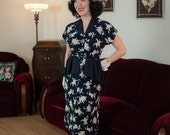 Vintage 1940s Dress - Fantastic Rare Rayon Novelty Print 40s Peplum Dress with War Horses, War Elephants and Soliders