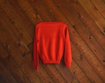 Red Wide Neck LACOSTE Pullover Sweater - Vintage 70s - XS S