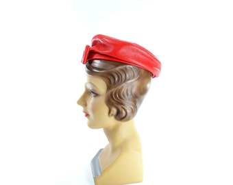 Vintage Red Hat, 60s Red Beret, Vintage Leather Hat, Vintage Red Beret, 60s Red Tam, 1960s Red Hat, Vintage Tam, Small
