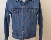 Vintage ROEBUCKS Western Wear DENIM jean jacket 12 gauge USA 2 pocket trucker coat