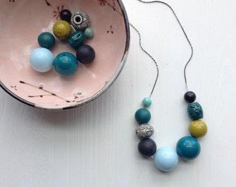 quarry necklace - vintage lucite
