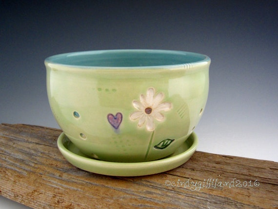 Pottery Berry Bowl in Lime Green with Daisy and Hearts - Fruit Bowl - by DirtKicker Pottery