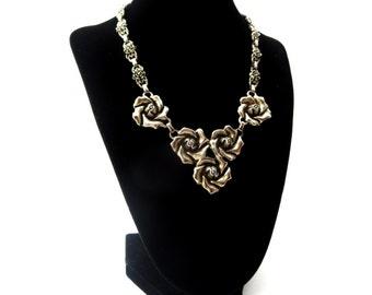 Unmarked Silver Tone Metal Floral / Flower Vintage Choker Necklace