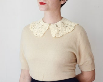 Vintage Cream Crochet Collar