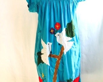 Vintage TURQUOISE Oaxacan DOVE Applique and Embroidered Dress with Pockets