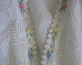 1950s 1960s Floral & White Cardigan Sweater - Vienna Lace - M