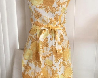 Pretty Vintage Yellow 50's 60's Day Dress with Rose Print -- Size M-L