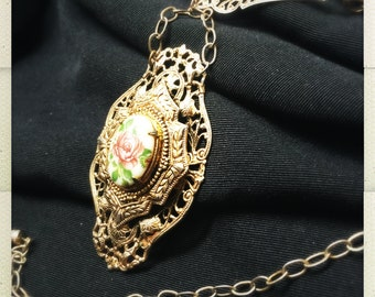 Victorian Style Pendant Necklace with Rose Ceramic Accent