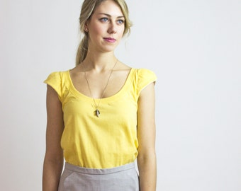 SALE //  Sunshine Yellow Scallop Tee Bamboo eco cotton t-shirt / LARGE - Made in Canada