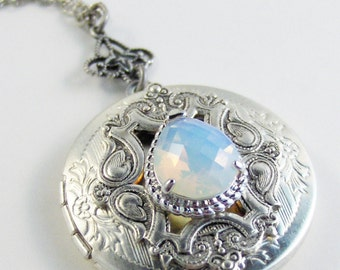 Vintage Moonstone,Moonstone Necklace,Moonstone Jewelry,Vintage Style,Moonstone Locket,Moon Jewelry,Moonstone in handmade,Valleygirldesigns.