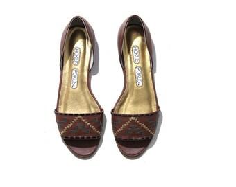 FLASH SALE Vintage Leather Sandals 6.5 / Brown Leather Sandals / Woven Sandals