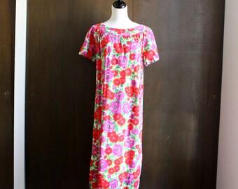 60s vintage floral tunic dress / red and purple flower print, vintage mumu, handmade vintage, short sleeve, maxi dress