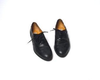 Midnight Blue Oxford Wingtip Shoes by Etienne Aigner, Women's Size 9 1/2 M // EXCELLENT Condition