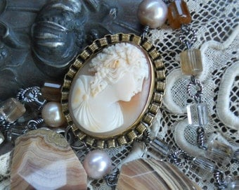 Inca Rose          Victorian Cameo Gemstone Pearl Necklace