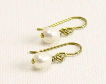 Gold Niobium Nickel Free Pearl Earrings, White Freshwater Oval Pearl Sensitive Ears Earings