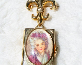 Locket Brooch Pin Victorian Revival Fold Out 4 Picture Locket Cameo Miniature Coro Type Fleur De Lis Vintage 1960's