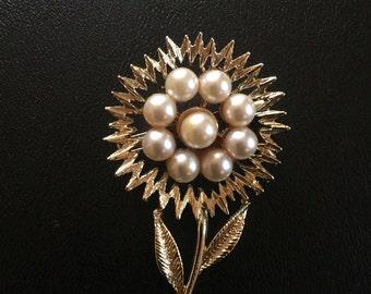 Gold Flower Brooch With Pearls // Flower Brooch