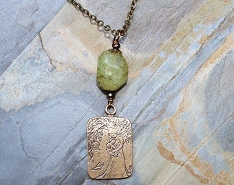 Green Mother's Day Necklace, Prehnite Necklace, Natural Stone Necklace, Light Green Necklace, Mother Child Necklace, Bronze Necklace