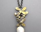 White Pearl Flower Power