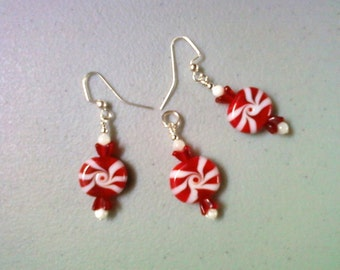 Holiday Red and White Peppermint Pendant Earrings (1066)