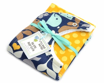 Bib and Burp Cloth Set- in Navy Blue, Turquoise, Yellow, Ocean, Whales, Unisex, Boy, Girl, Nautical
