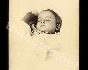 Post Mortem Photo / Little Allentown Pennsylvania Girl ~ Thanatos Archive
