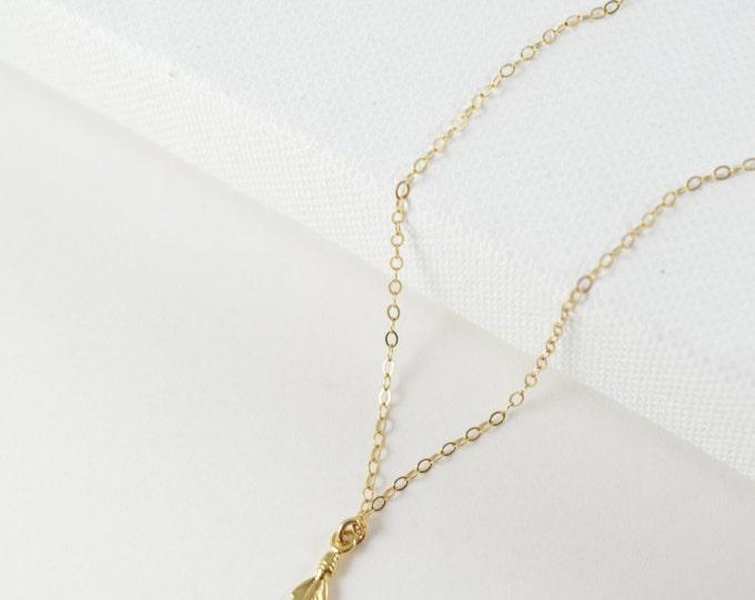 Feather Vermeil Charm Necklace, Unique Necklace, Delicate Necklace, Feather Pendant, Feather Necklace