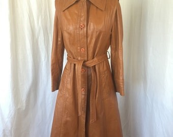 1970's Women's Leather Coat / Caramel Brown Leather / Suburban Heritage / Size 8 or S/M  / Long BOHO Leather Trench Coat, Corded Details