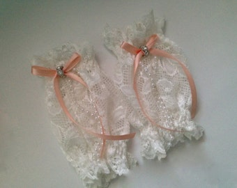 Baby girl ivory and peach cuffs,fingerless gloves,tea party cuffs,Photography Prop, Lace Cuffs,Infant Leggings