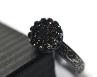 Gothic Black Druzy Ring, Oxidized Silver Renaissance Style Drusy Agate Jewelry, Custom Engraved Patterned Band
